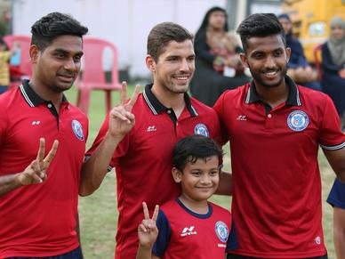 The Trio of Pablo, Farukh and Augustin visit Jamshedpur Football School at the RVS Academy.